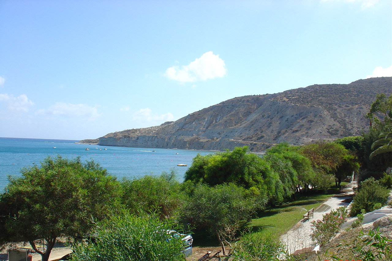 Pissouri's Picturesque Landscapes ...